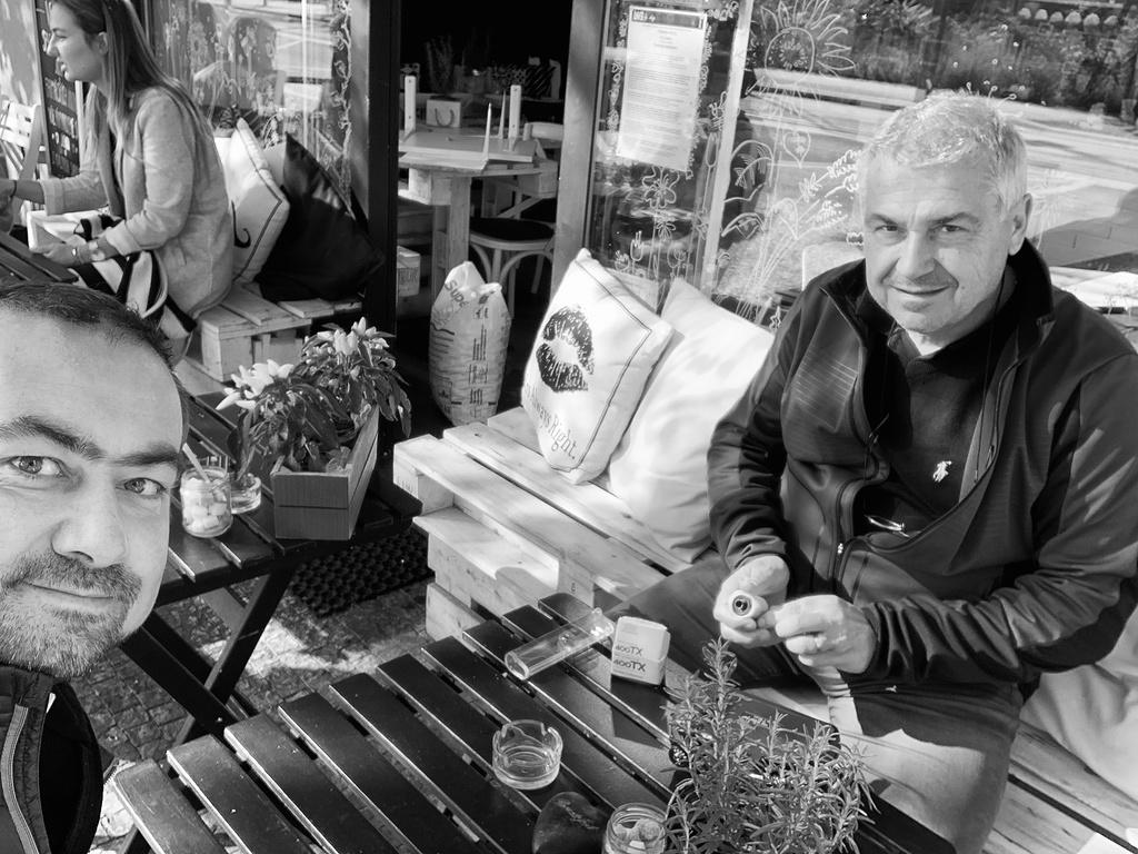 Petr s Michalem - zasloužená zastávka na úžasné snídani v Lovely Day
